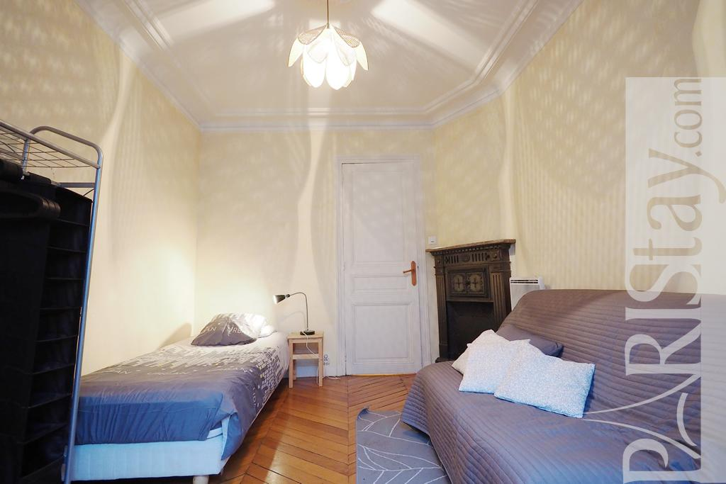 Paris location meubl e appartement type t2 pasteur cosy for Chambre a coucher cosy