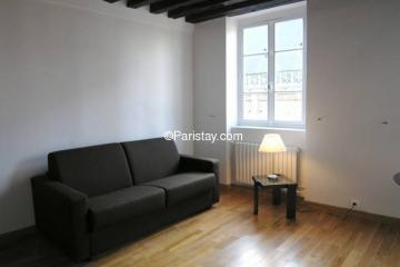 Apartment Cloitre Saint Merri