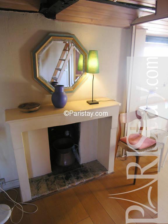 paris location meubl e appartement type t1 studio charles. Black Bedroom Furniture Sets. Home Design Ideas