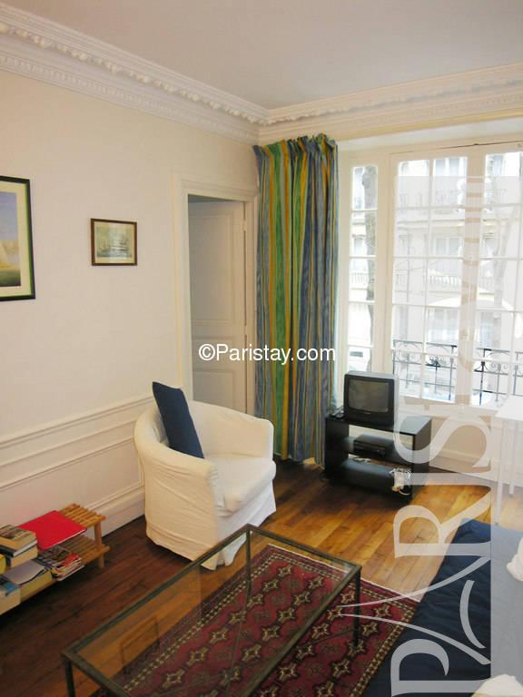 Paris location meubl e appartement type t2 theophile gautier for Salon gautier