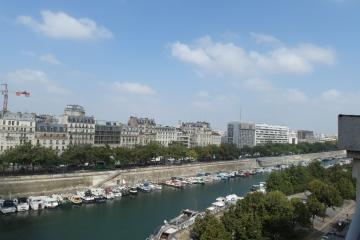 Apartment Bastille Seine View