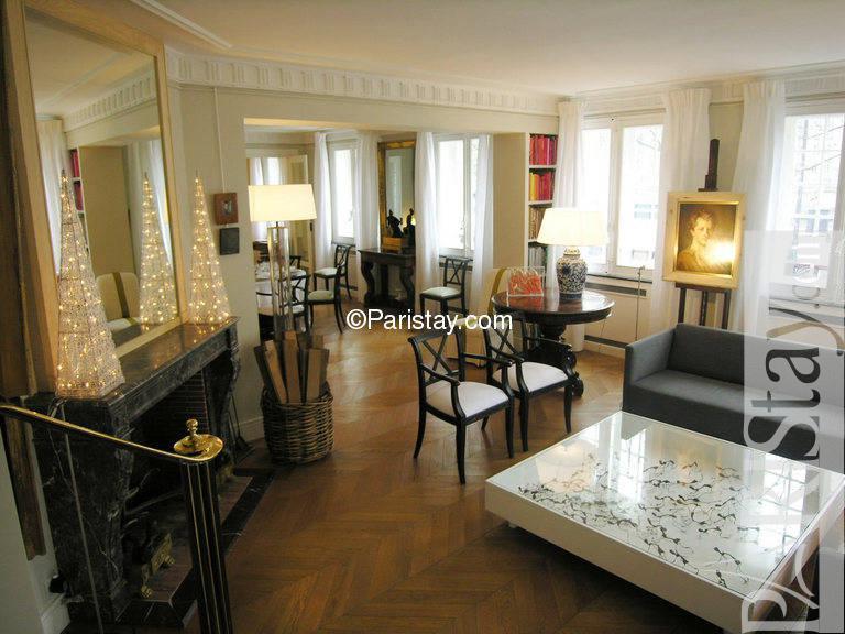 Apartment in paris hotel de ville hotel de ville 75004 paris for Hotel deville paris