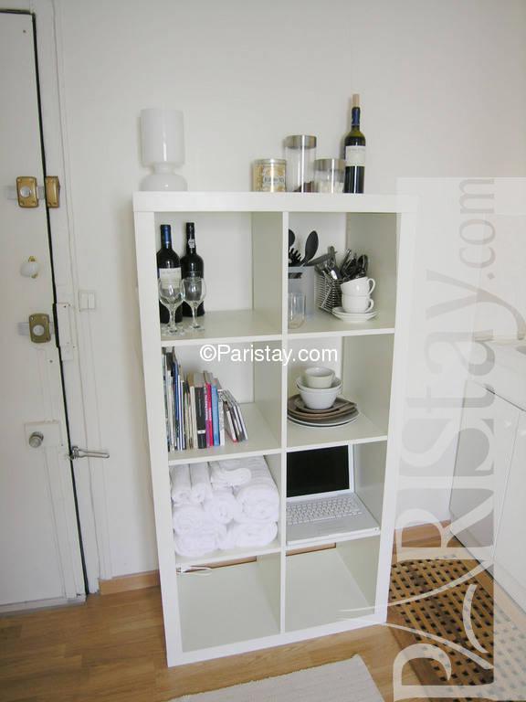 paris location meubl e appartement type t1 etudiant studio montmartre barre studio. Black Bedroom Furniture Sets. Home Design Ideas