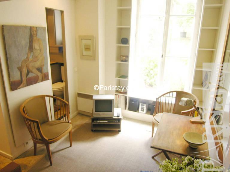 studio mezzanine paris rentals bastille 75011 paris. Black Bedroom Furniture Sets. Home Design Ideas