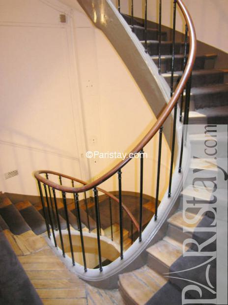 Studio mezzanine paris rentals la bourse 75002 paris - Studio mezzanine ...