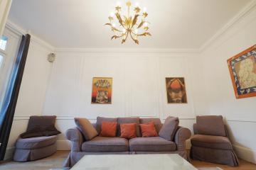 2 bedrooms of Etoile Duplex Apartment Champs Elysees