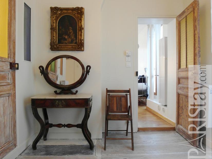Paris location meubl e appartement type t2 canal saint martin - Chambre a coucher mobel martin ...