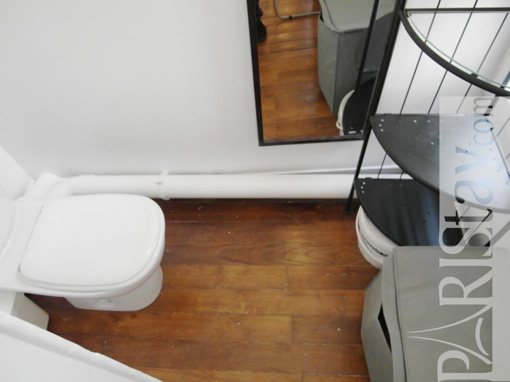 paris location meubl e appartement type t1 studio trois freres studio. Black Bedroom Furniture Sets. Home Design Ideas