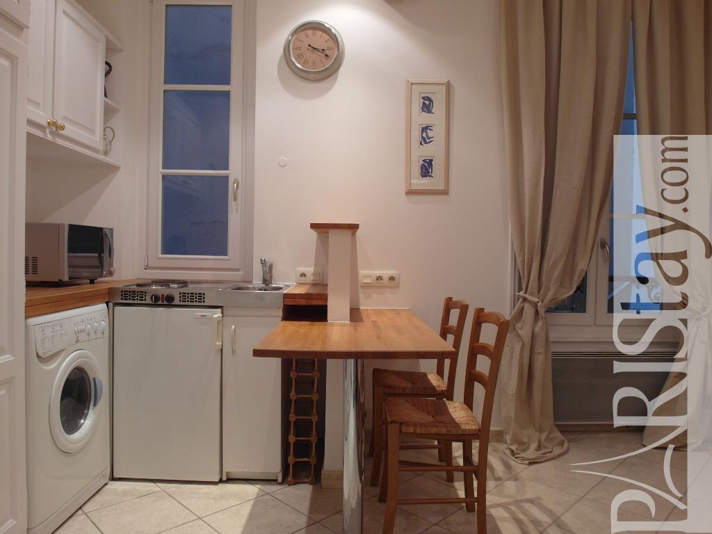 Paris studio apartments for rent batignolles batignolles for Studio apartments for rent