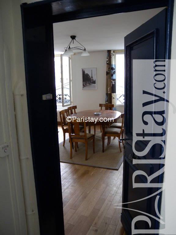 Paris location meubl e appartement type t2 filles du for Duplex appartement paris