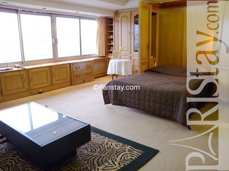 Paris location meubl e appartement type t1 studio cognacq for Chambre a coucher alma