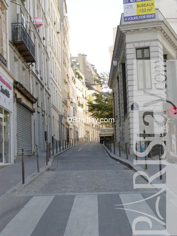 1 bedroom apartment for rent in paris le sentier sentier. Black Bedroom Furniture Sets. Home Design Ideas