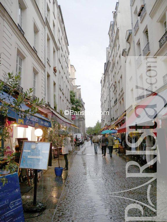 Studio for rent in paris long term hotel de ville le for Piscine saint merri