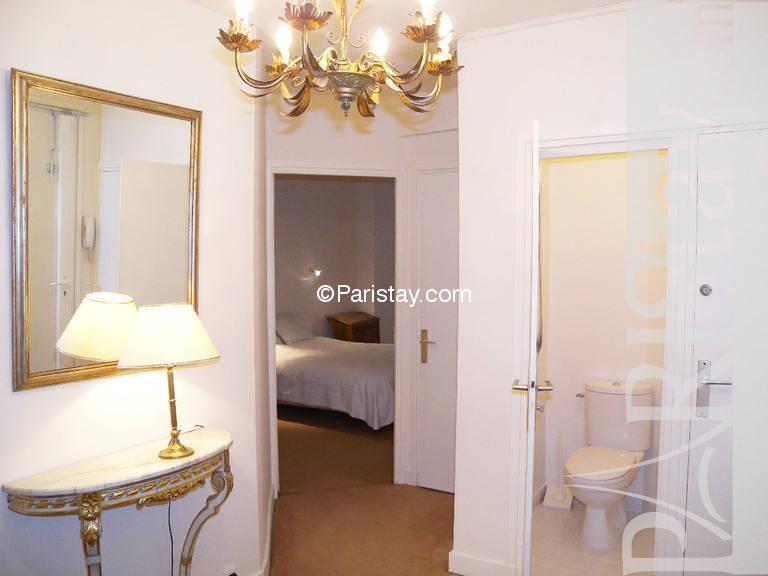 paris location meubl e appartement type t2 la motte picquet. Black Bedroom Furniture Sets. Home Design Ideas