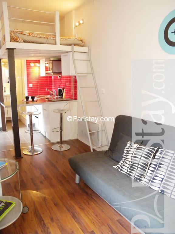 furnished studio apartment paris place des vosges 75004 paris. Black Bedroom Furniture Sets. Home Design Ideas