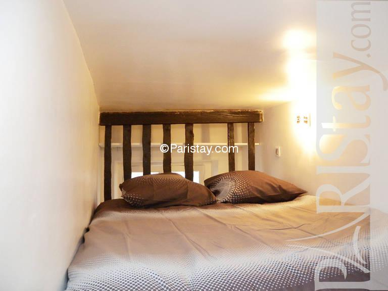 Paris location meubl e appartement t1 studio st sauveur studio mezzanine - Mezzanine studio ...