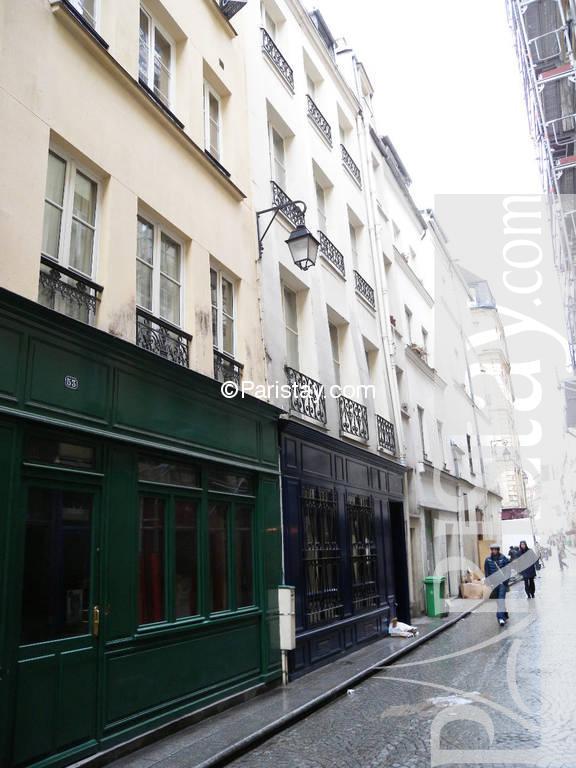 studio for rent in paris long term montorgueil 75002 paris. Black Bedroom Furniture Sets. Home Design Ideas