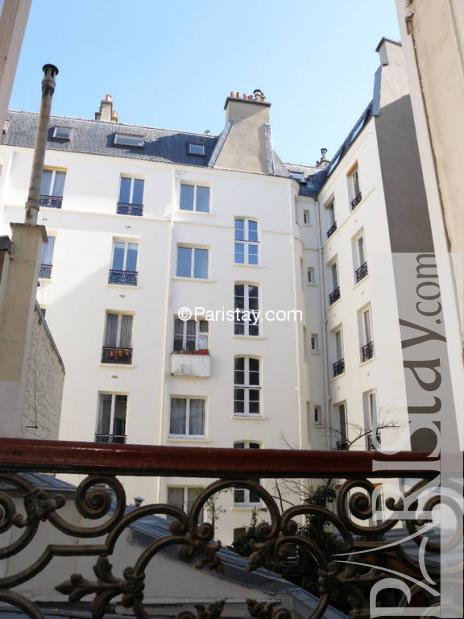 2 bedroom apartment long term renting paris Place de Clichy ...