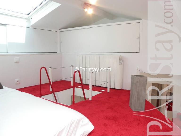 One bedroom apartment vacation renting paris tour eiffel 75016 paris - Mezzanine toren ...