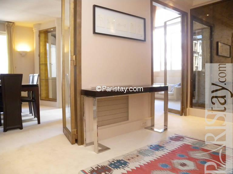 Entrance. 2 bedroom luxury duplex apartment long term rental Tour Eiffel 75015