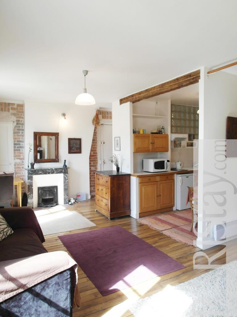 Studio long term rental paris accommodation bastille 75011 for Alcove studio