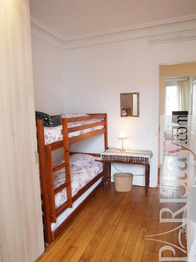 2 Bedroom Apartment Short Term Renting Paris Tour Eiffel