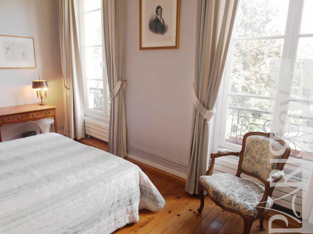 1 Bedroom Apartment Long Term Renting Lettings Le Marais 75004 Paris