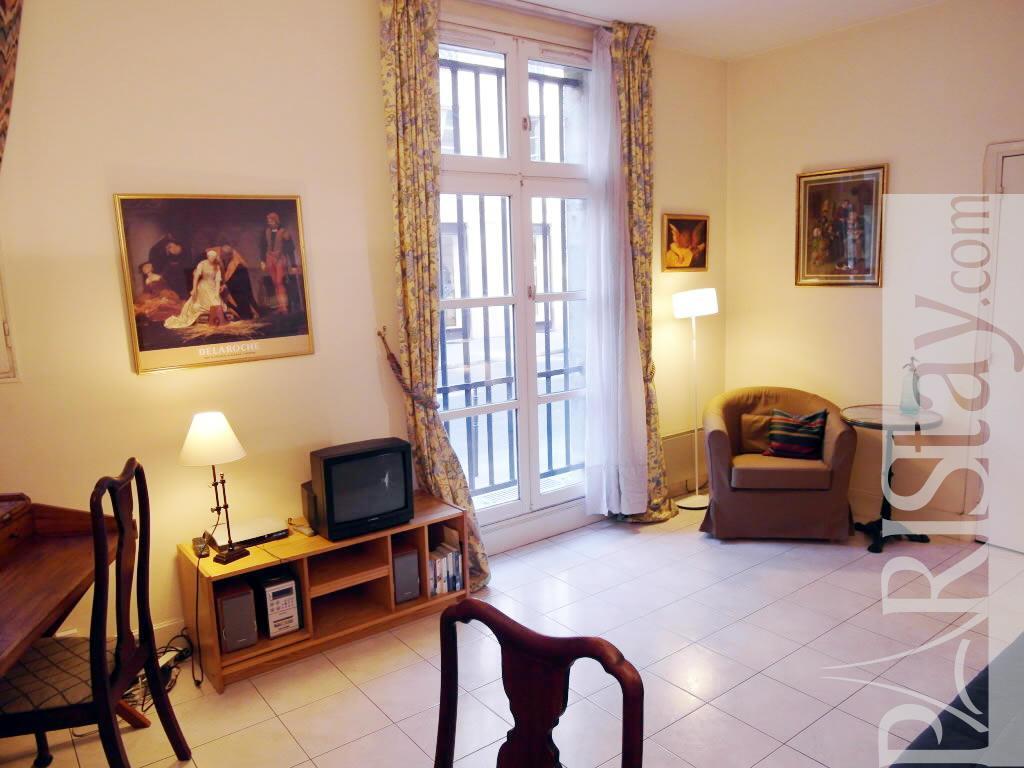 1 Bedroom Apartment Long Term Renting Paris Luxury Le Marais 75004 Paris