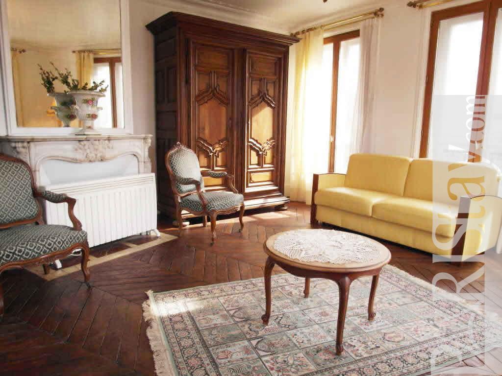 1 Bedroom Apartment Long Term Renting Paris Lettings Le Marais 75003
