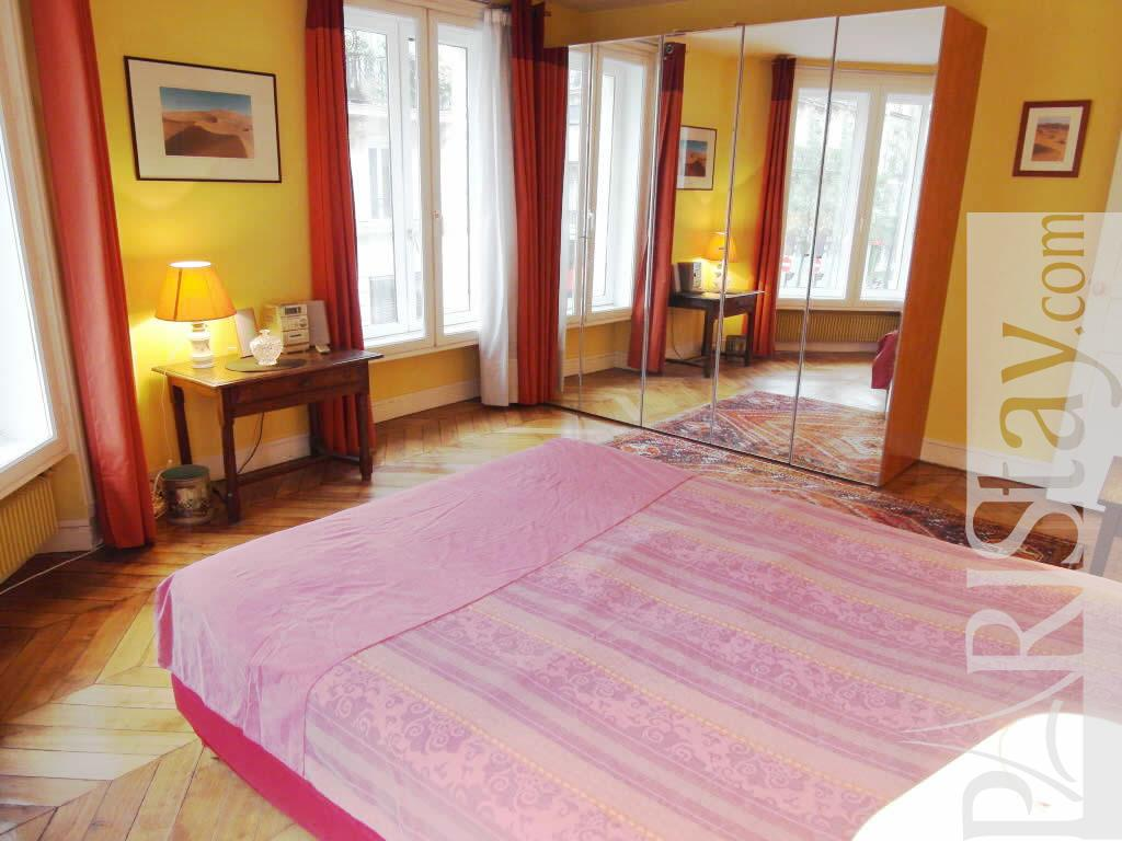 Paris location meubl e appartement type t3 rivoli st paul - Chambre a coucher paris ...
