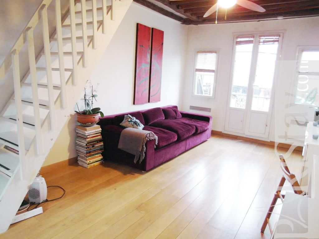 1 bedroom duplex apartment long term renting paris les for Duplex bed