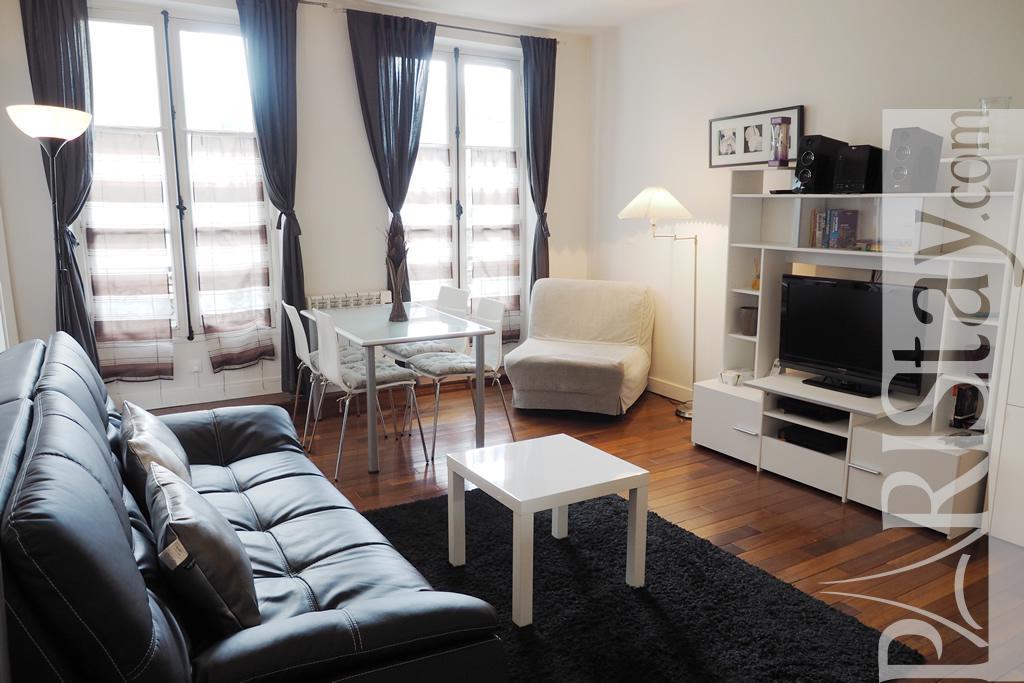 Paris location meubl e appartement type t2 bastille thiere - Salon de the bastille ...