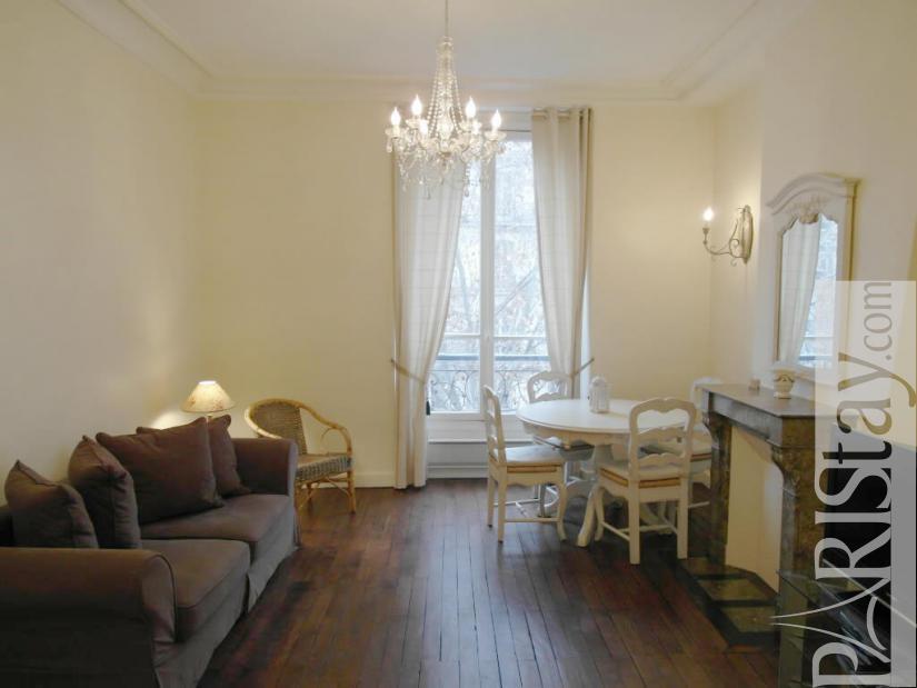 Apartments rental Paris near Musée d\'Orsay metro station line RERC