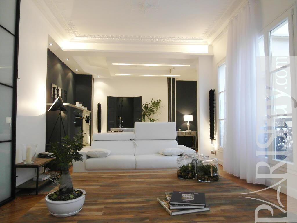 2 bedroom loft luxury apartment renting grands boulevards. Black Bedroom Furniture Sets. Home Design Ideas