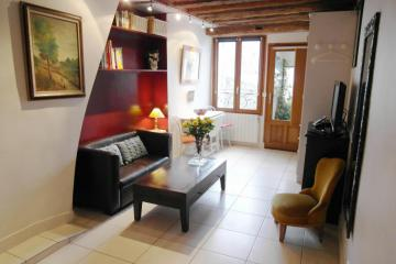 Apartment Ile St Louis studio Antic