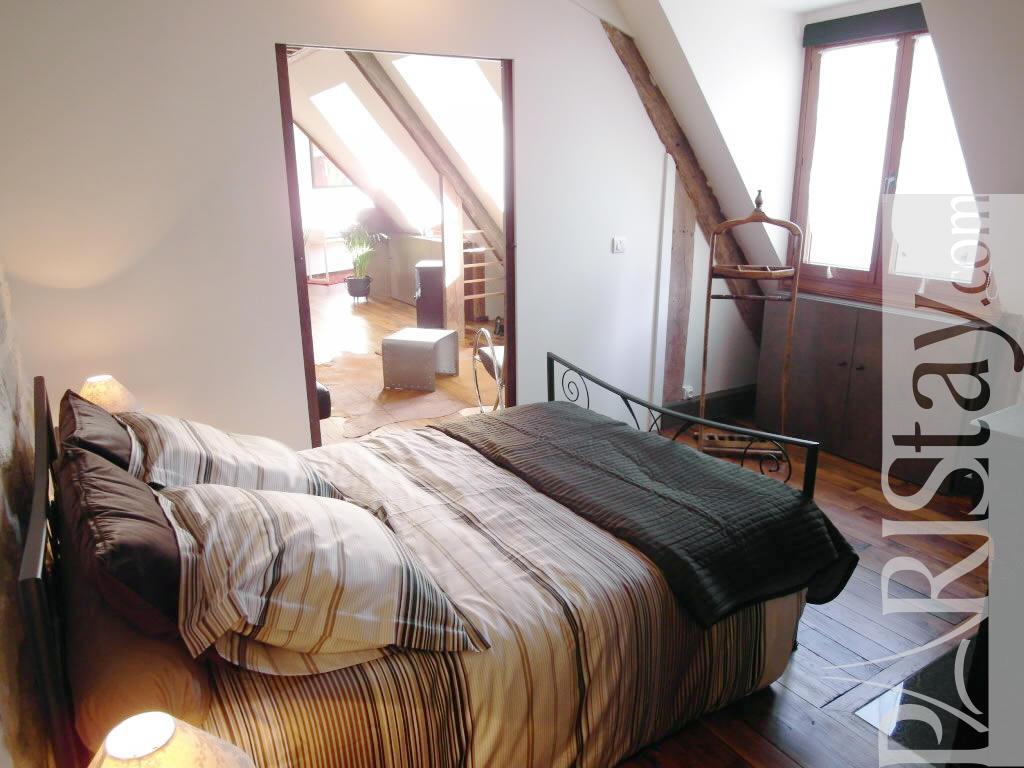 Paris location meubl e appartement type t2 monge notre dame for Chambre a coucher 1940