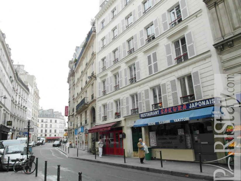 Paris location meubl e appartement type t3 saint lazare 9 for Location paris 9