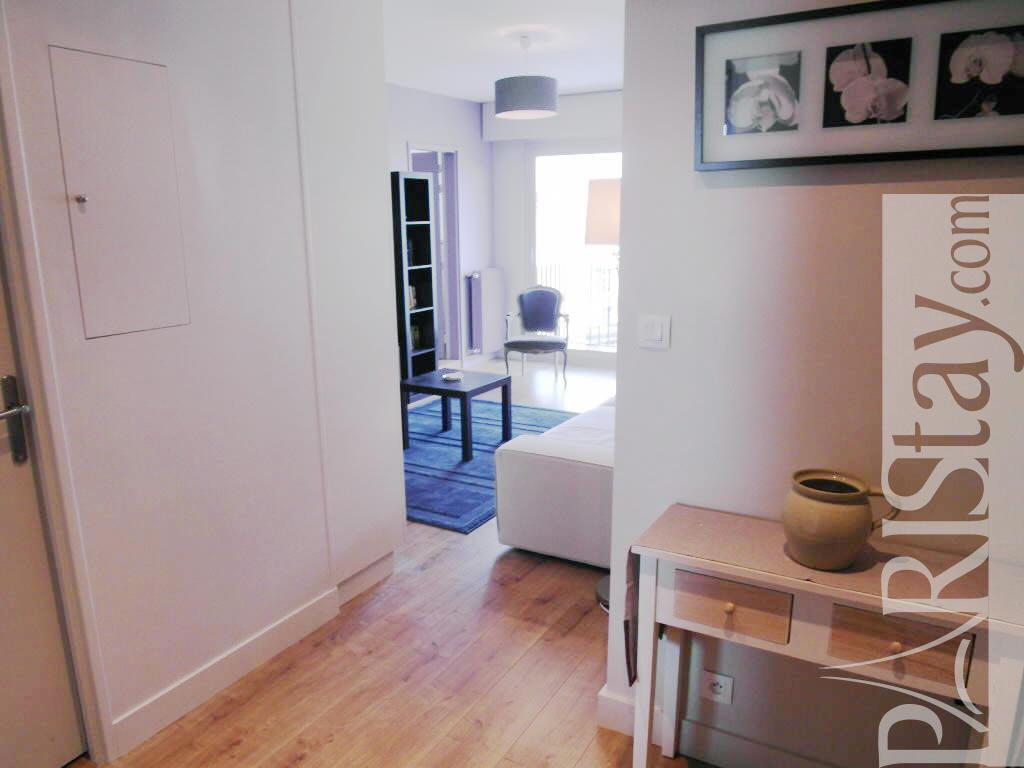 Paris location meubl e appartement type t2 convention st for Appartement paris location