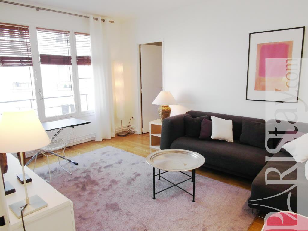 1 bedroom la main d 39 or 1 bed apartment long term renting for Living room on main