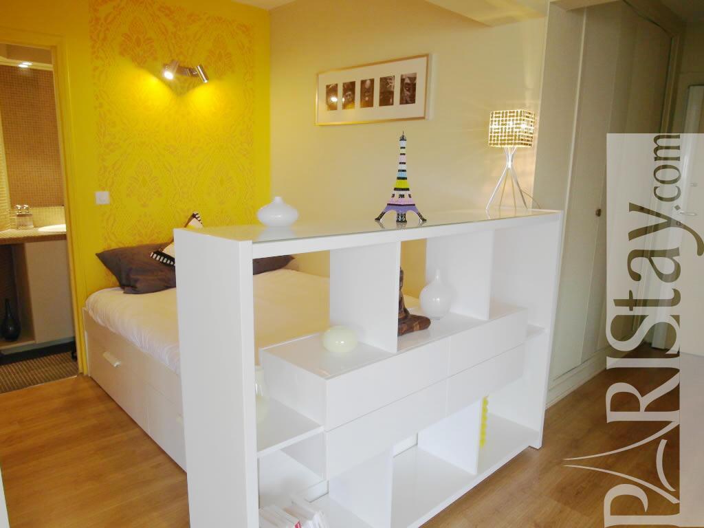 studio alcove long term rent apartment in paris 75010 paris. Black Bedroom Furniture Sets. Home Design Ideas