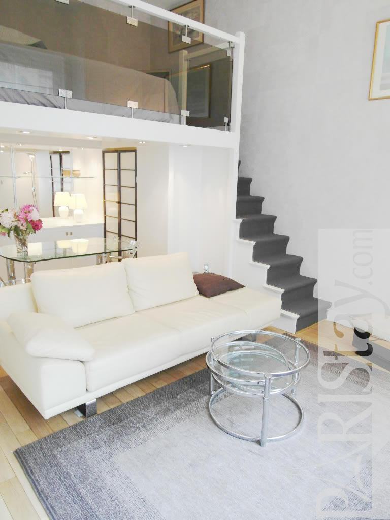Studio mezzanine long term rent apartment in paris Parc Monceau ...