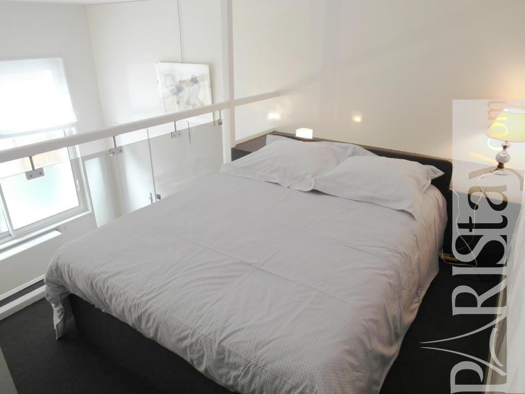 Paris location meubl e appartement type t1 studio phalsbourg studio mezzanine - Mezzanine studio ...