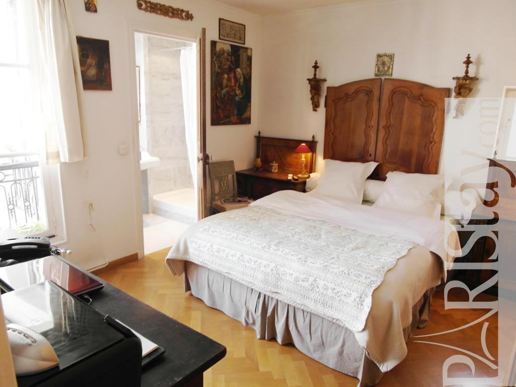 1 Bedroom Accommodation Vacation Renting Ile St Louis 75004 Paris