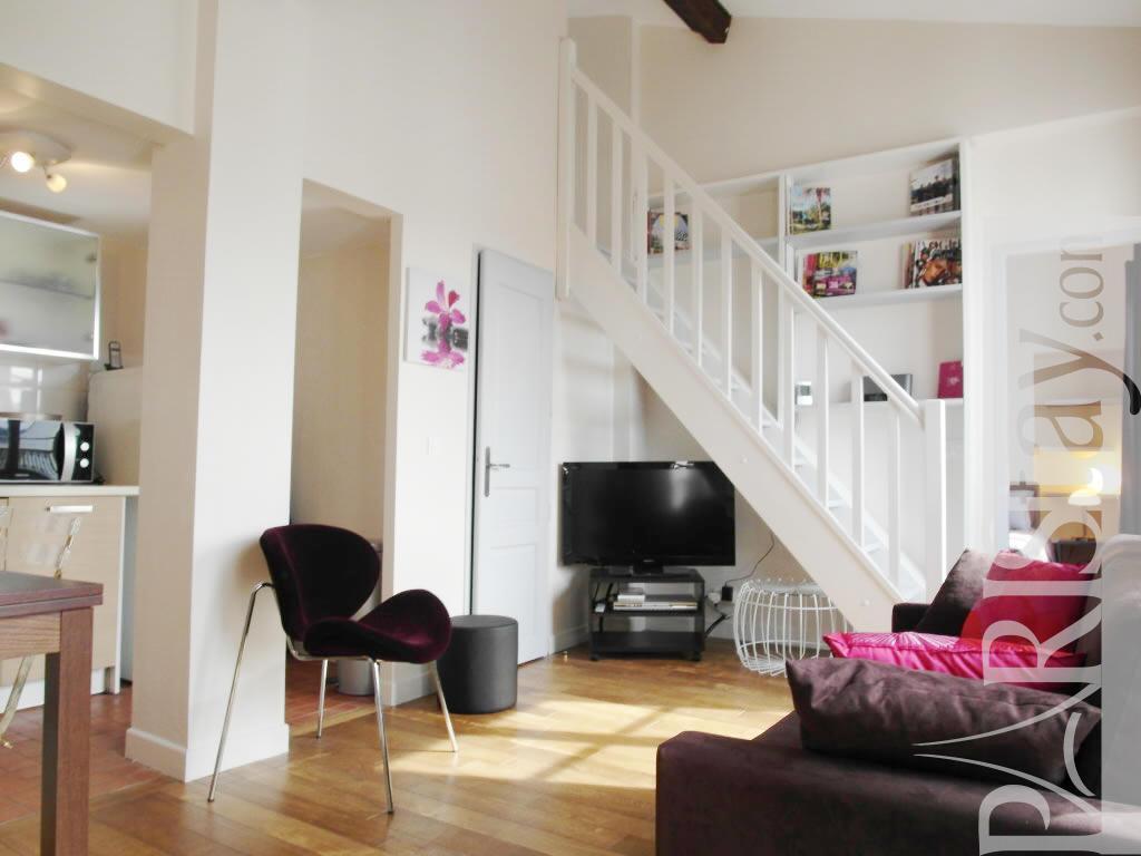 2 bedroom duplex apartment long term renting Le Marais 75004 Paris