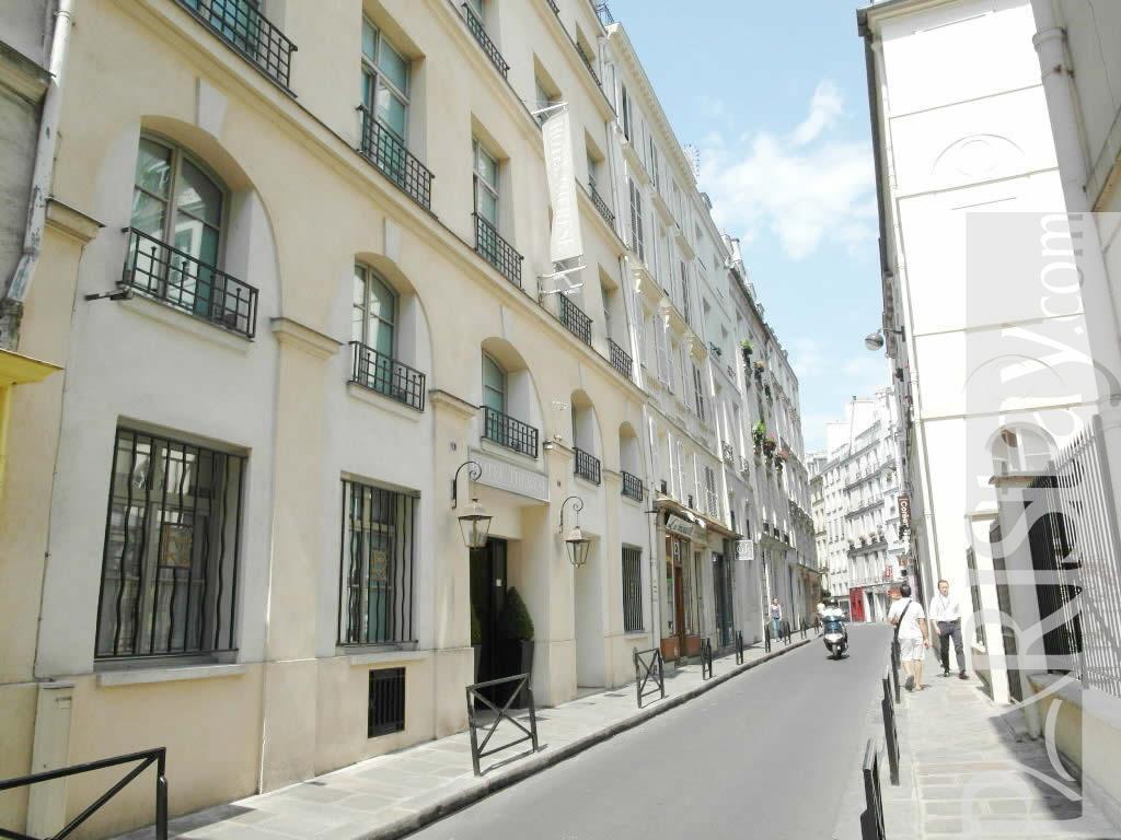 Paris location meubl e duplex type t2 therese duplex for Duplex appartement paris
