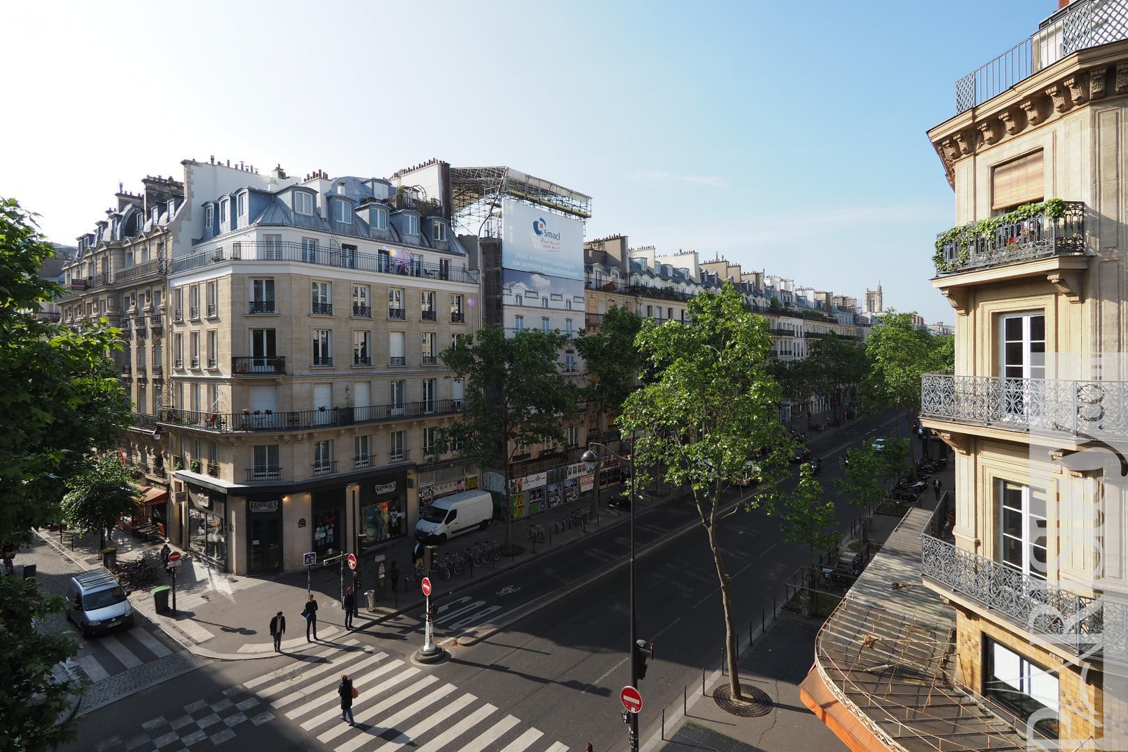 2 bedrooms apartment long term rentals paris Les halles ...