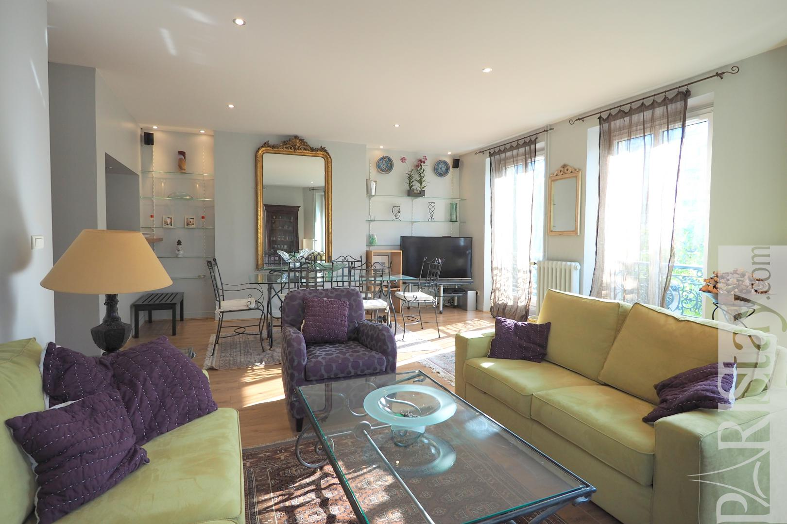 2 Bedrooms Apartment Long Term Rentals Paris Les Halles 75001 Paris