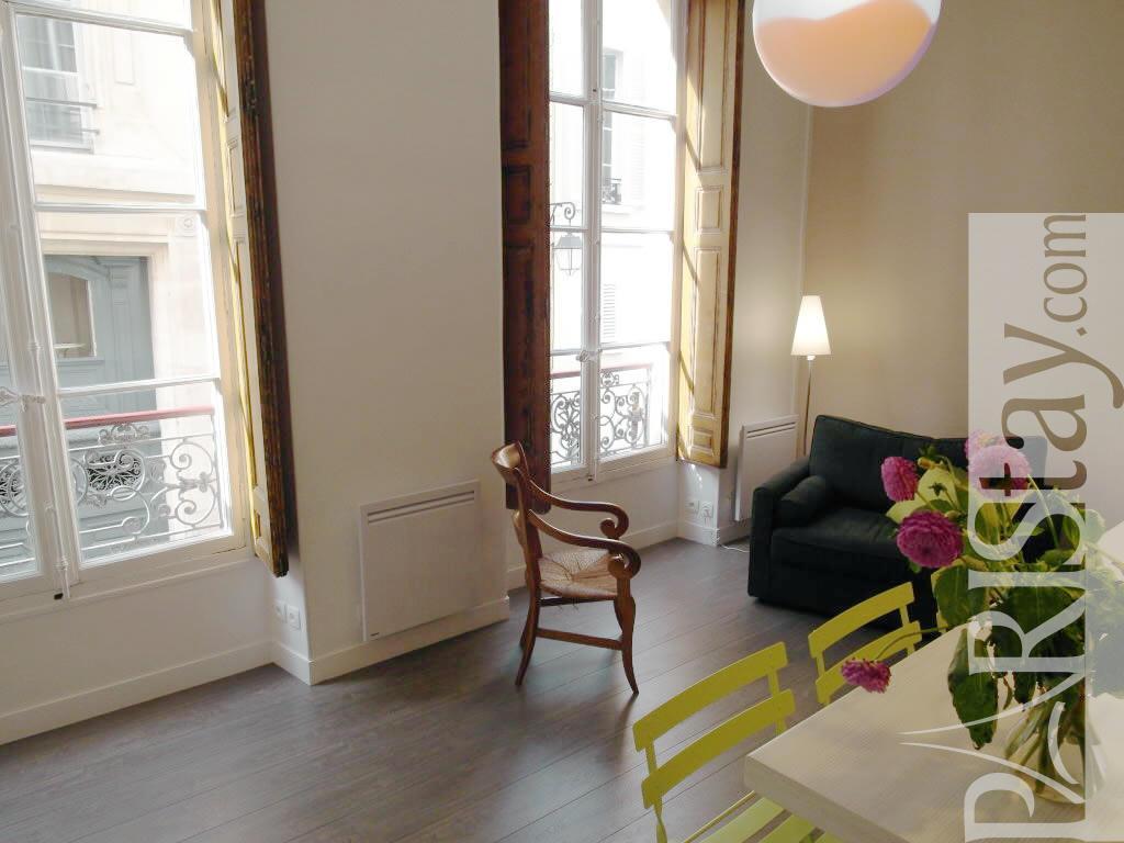 studio mezzanine long term rent paris st germain des pres. Black Bedroom Furniture Sets. Home Design Ideas