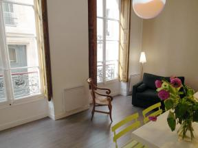 Apartment Verneuil Saint Germain - studio