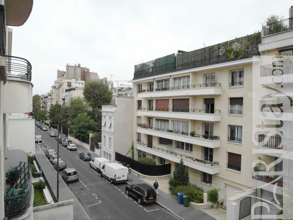 Paris location meubl e appartement type t1 studio neuilly for Appartement maison laffite